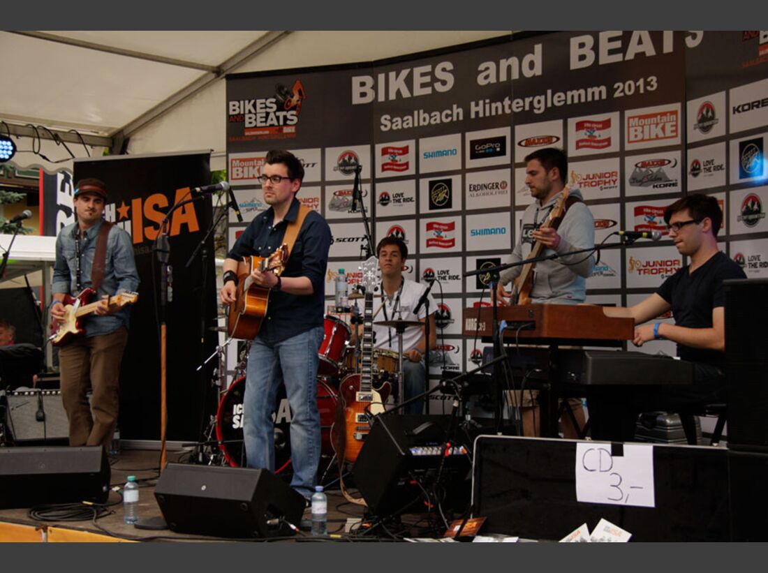 Bikes and Beats Tag 2 Impressionen: Mountainbike-Action, Musik und Festival 16