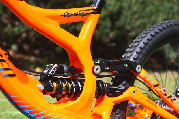 MB Whistler 2011 Specialized Demo Troy lee detail